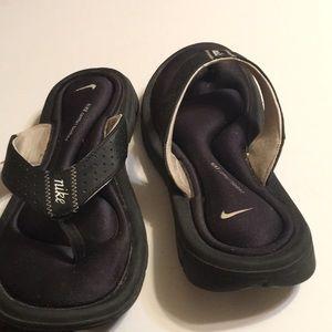Size 7 Nike Flip Flops